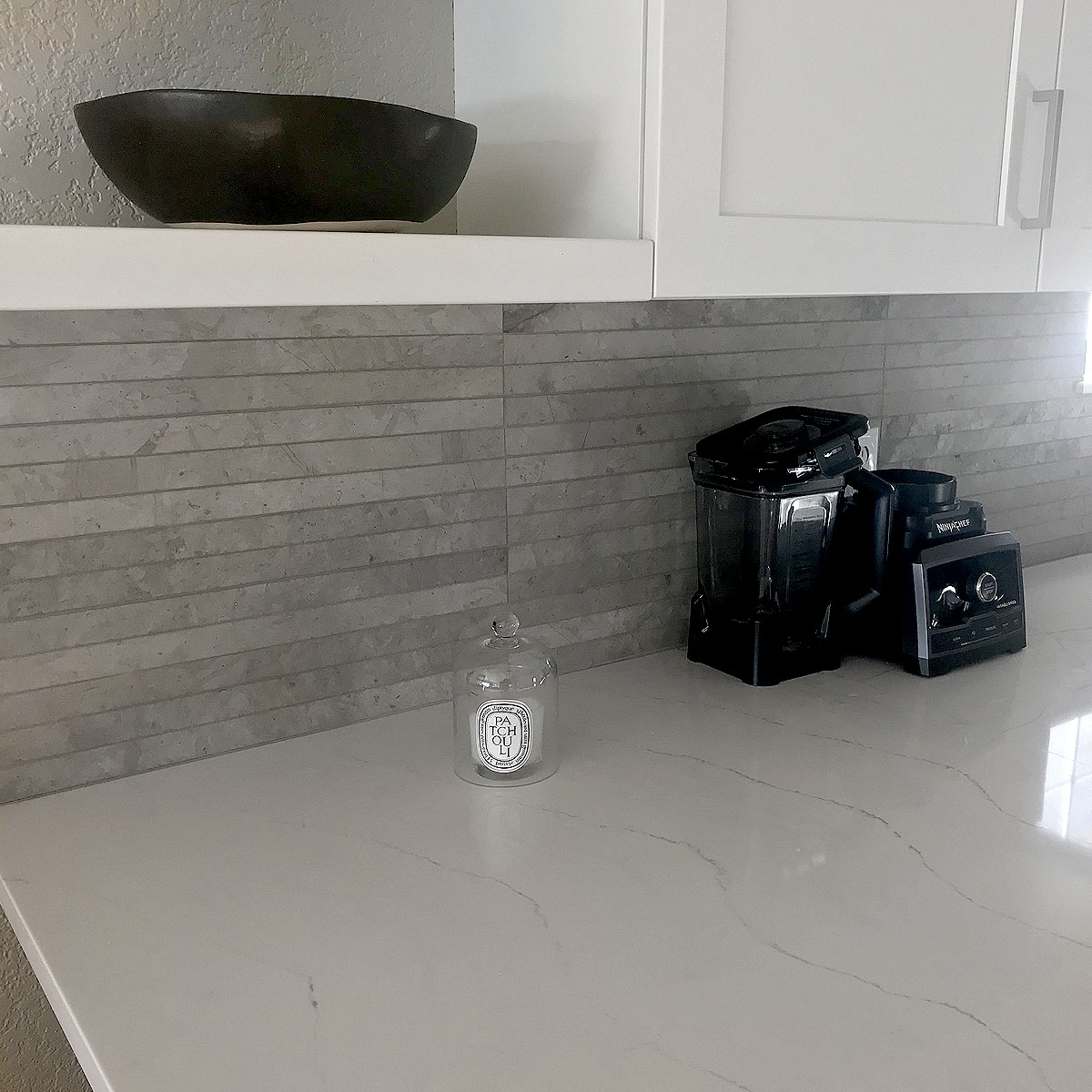 Gray moden backsplash white quartz countertop BA1038