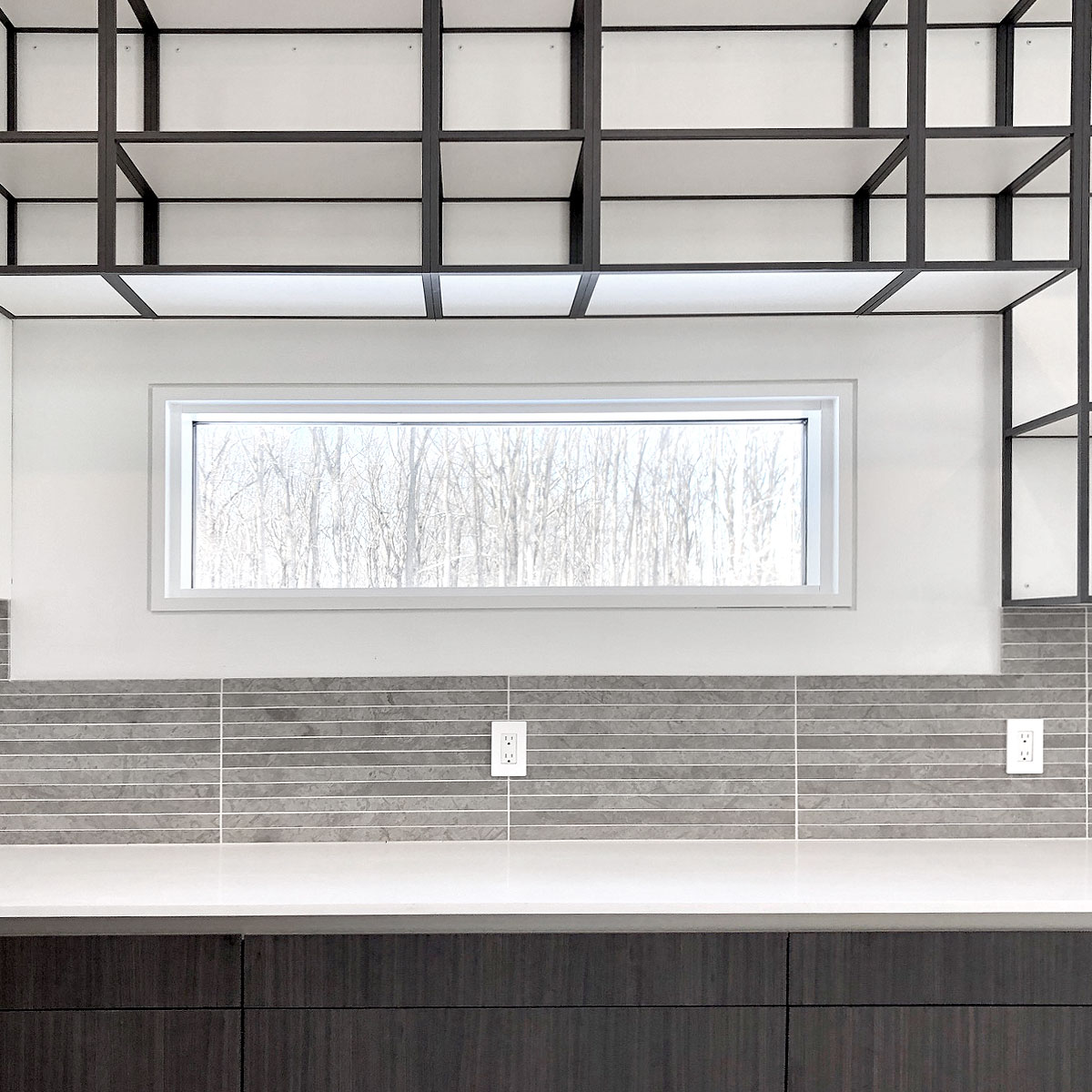 Modern kitchenwith gray backsplash BA1038