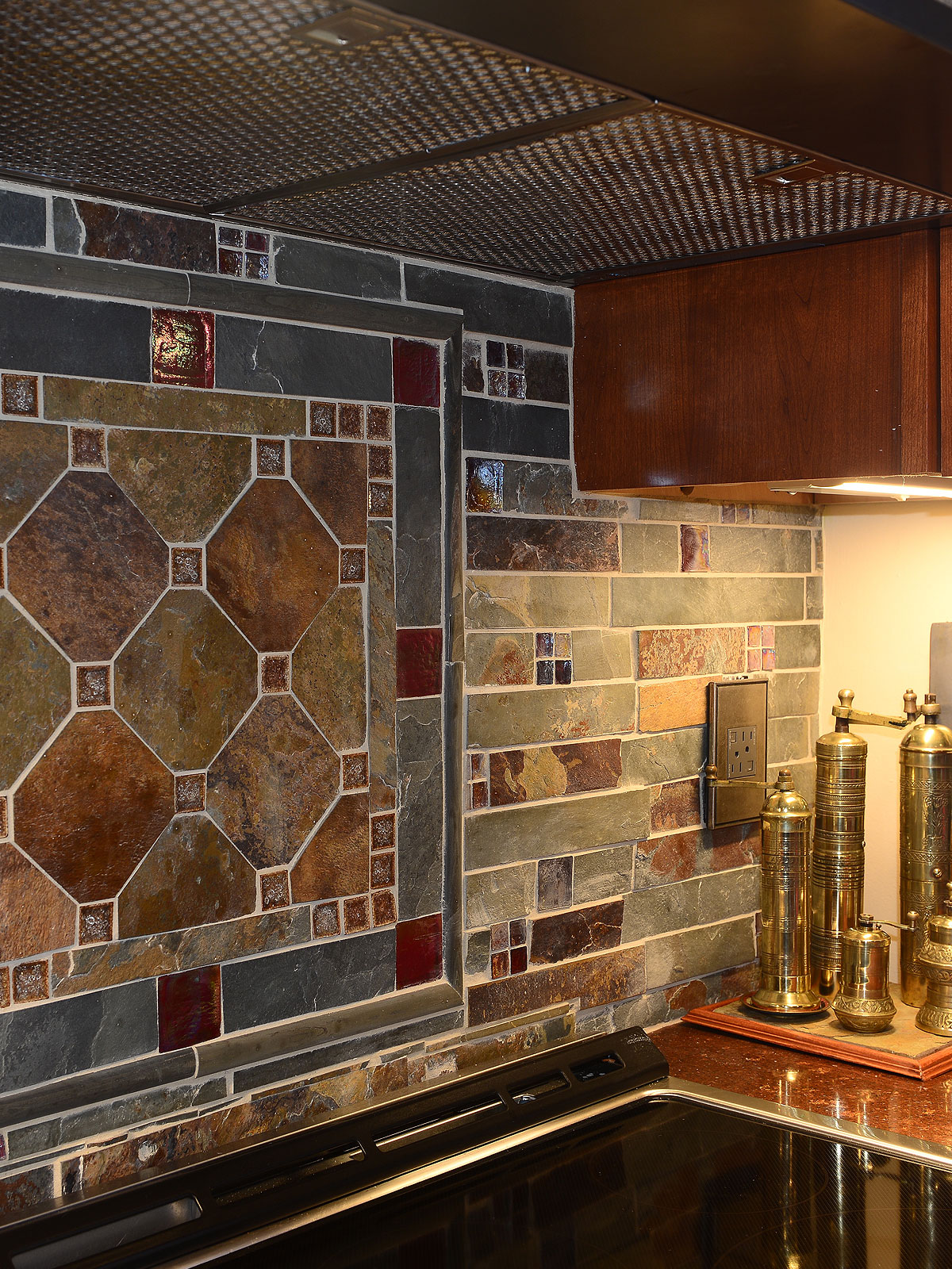 Slate and Burgundy Glass Backsplash Medallion Red Brown Quartz Countertop BA1026