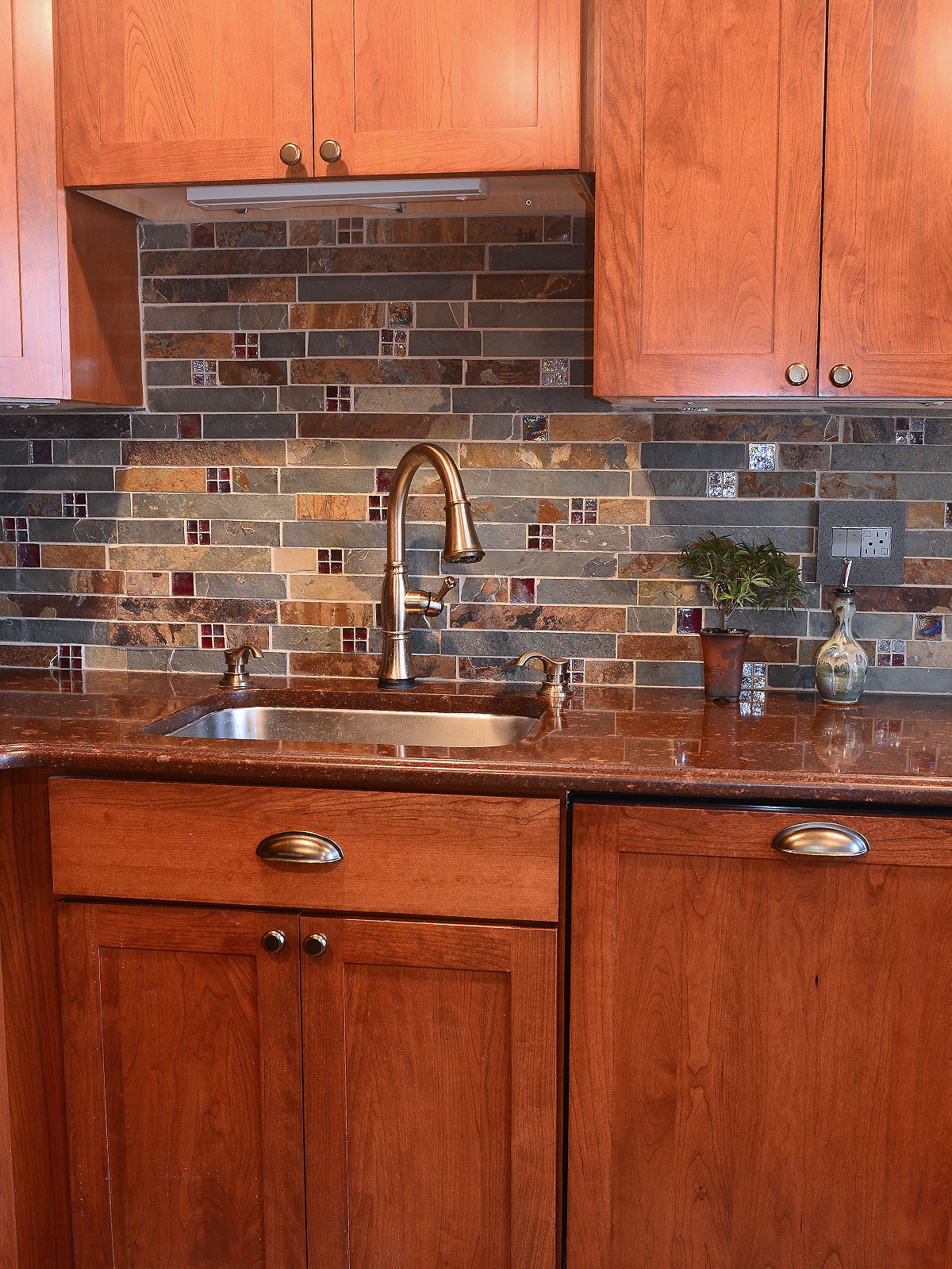 - Stunning ( Slate & Glass ) Kitchen Backsplash -