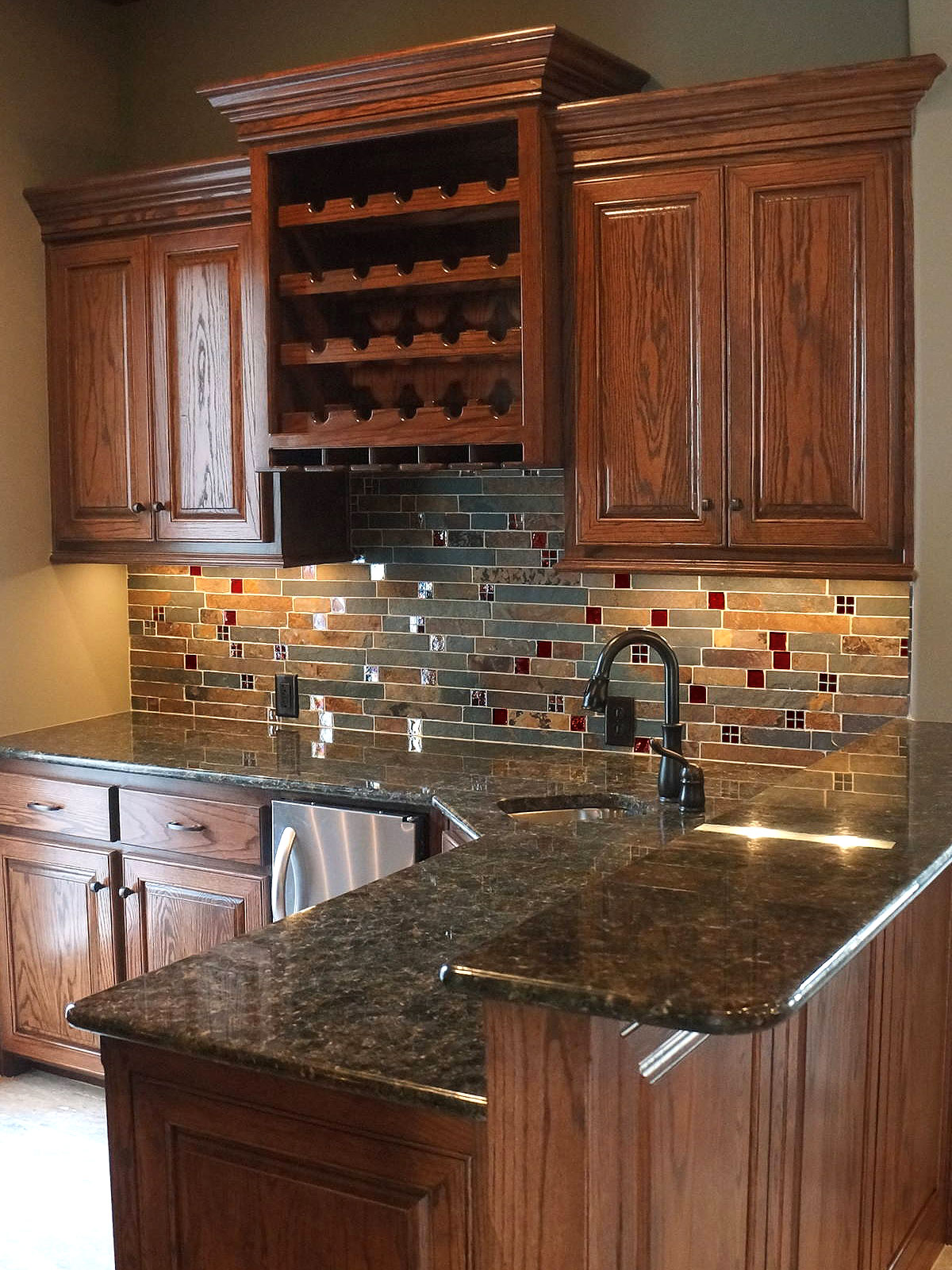 "Stunning ( Slate & Glass ) Kitchen Backsplash - "" Slate ..."