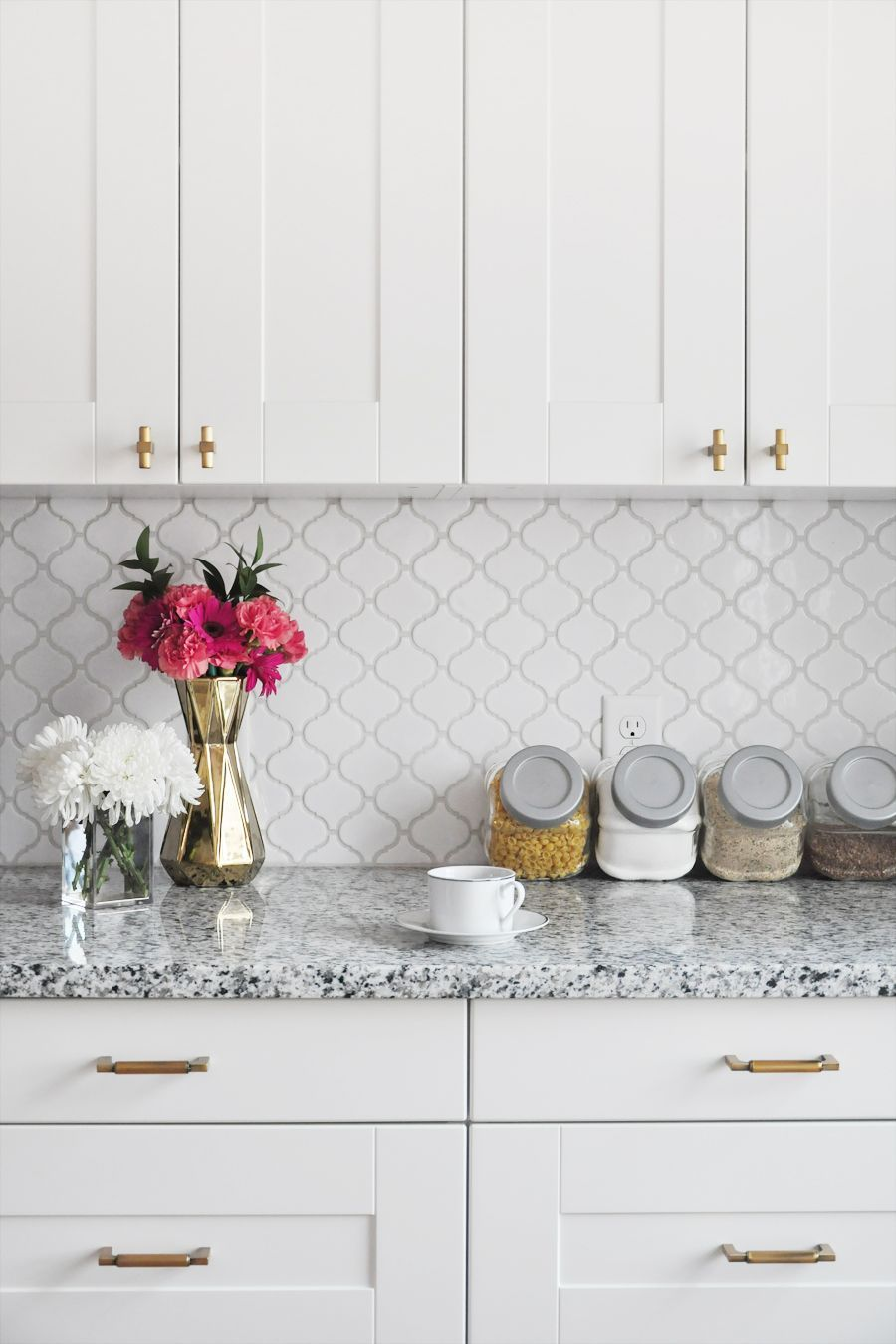 - White Glazed Porcelain Arabesque Backsplash Tile Backsplash.com