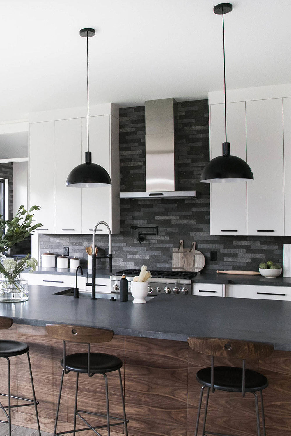 31+ Black Subway Backsplash ( Ideas ) - The Power of Black ... on Backsplash Ideas For Black Countertops  id=18308