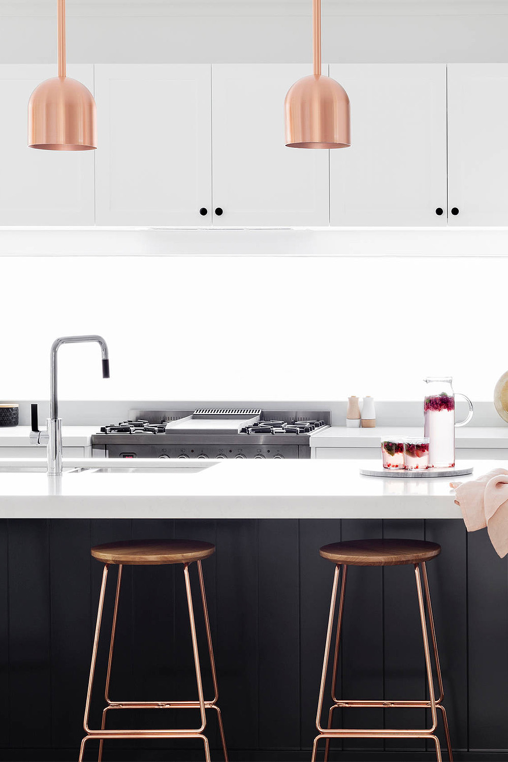 91405 Contemporary Kitchen With A Touch Of Rosegold Details Backsplash Com