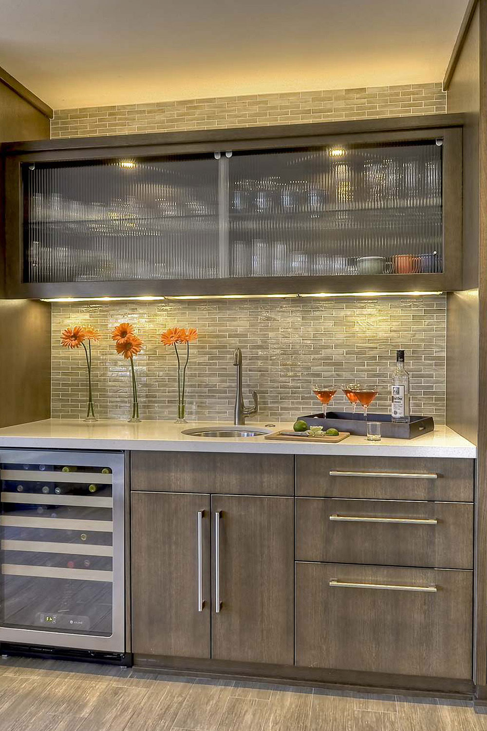 9+ Glass Kitchen Cabinets  CLEAR   FROSTED  Modern Glass Cabinet
